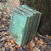 Vinduer og ruter er ofte farlig avfall med PCB, klorparafiner, ftalater eller asbest